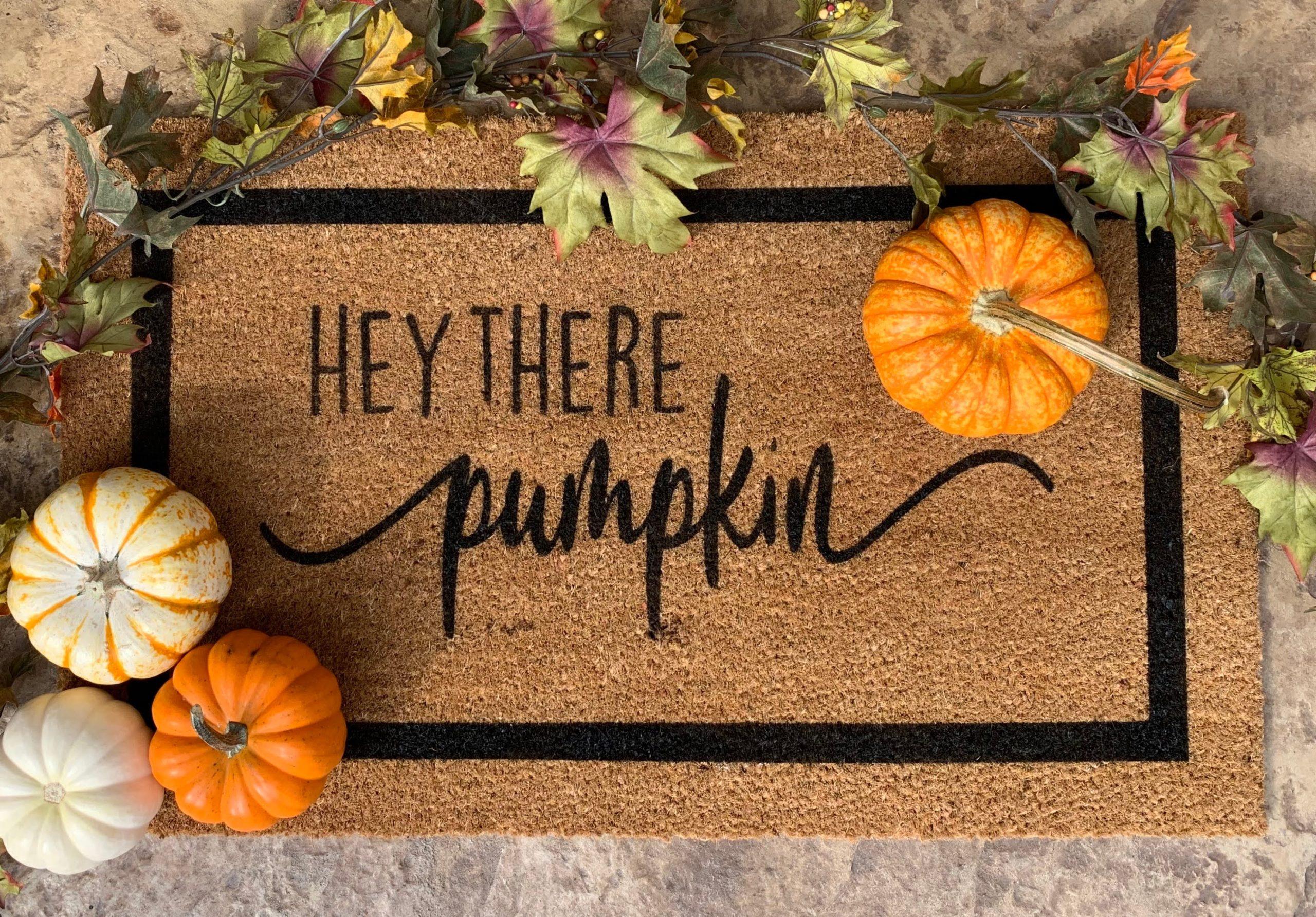 hey there pumpkin doormat with pumpkins